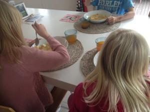 Barna elsker fiskesuppe